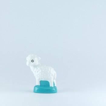 Mouton blanc (tête tournée)