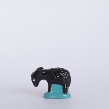 Mouton noir (tête basse)